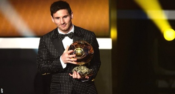 Lionel Messi receiving his award in Zurich.