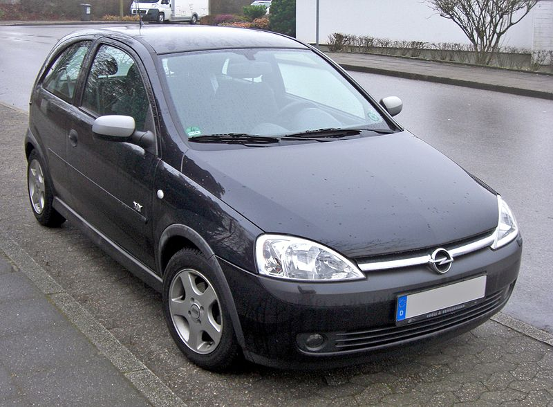 Road test review opel corsa c for Opel corsa c interieur